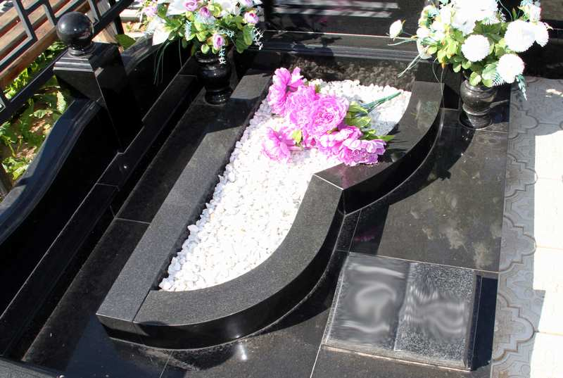 Цветники на кладбище своими руками